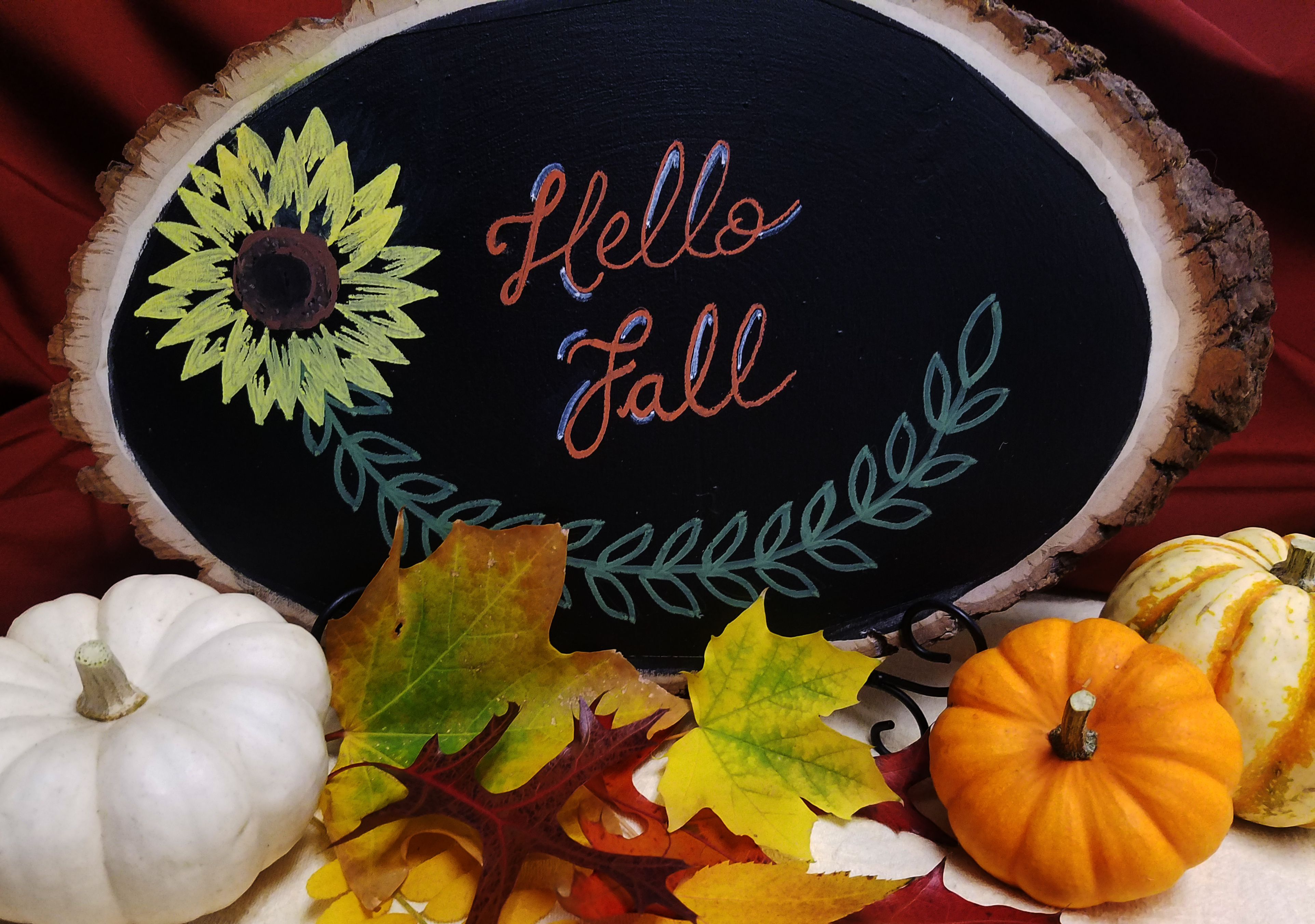 chalkboard art with pumpkins and leaves