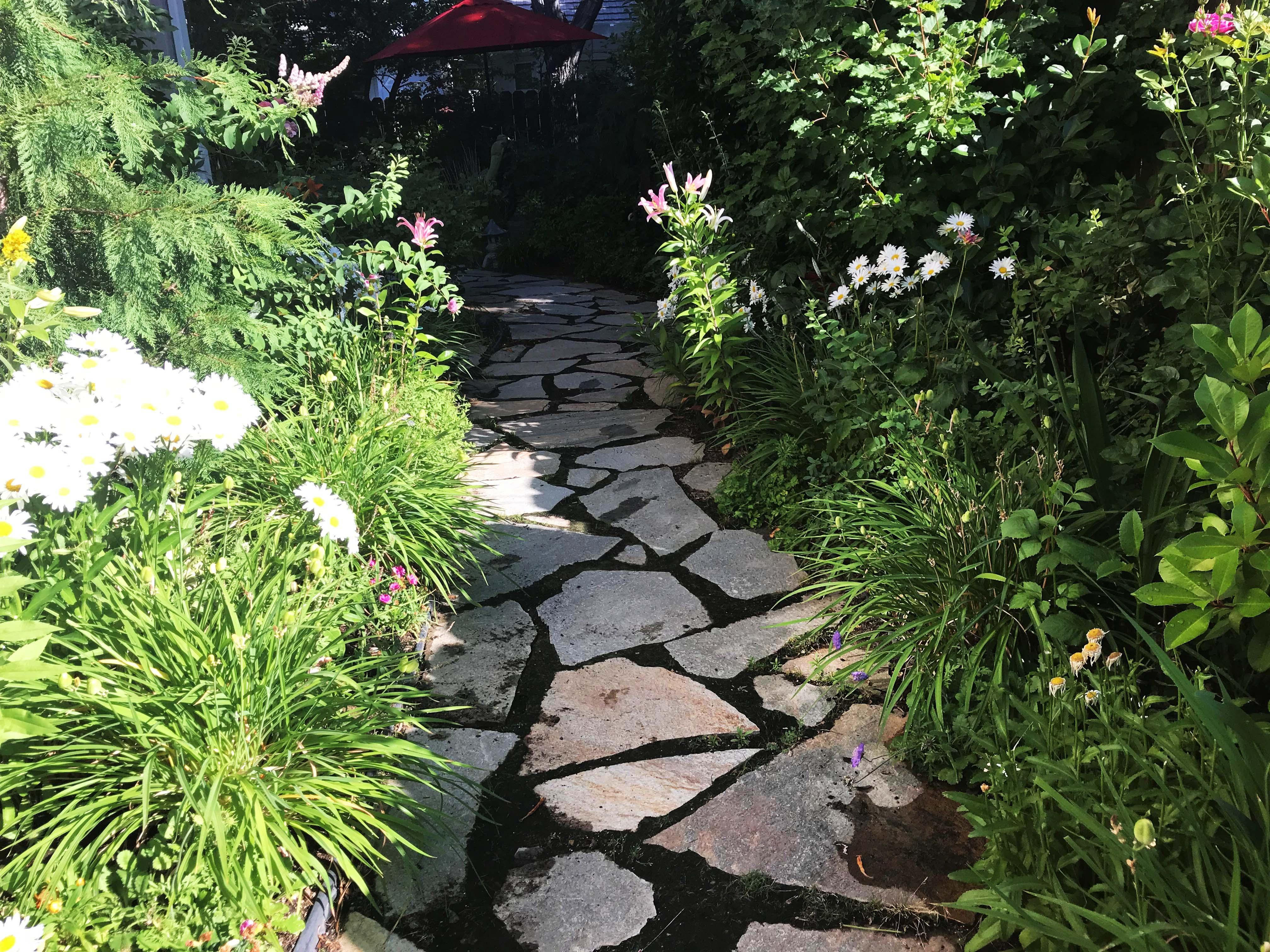 Master Gardener Garden Tour funds community education program